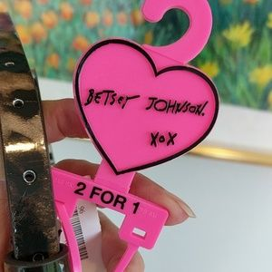 BETSEY JOHNSON BELT